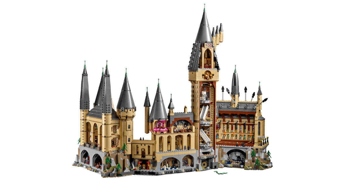 The LEGO Harry Potter Hogwarts Castle is Awesome and Huge