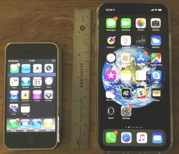 iPhone 2007 (left), iPhone XS Max 2018 (right)