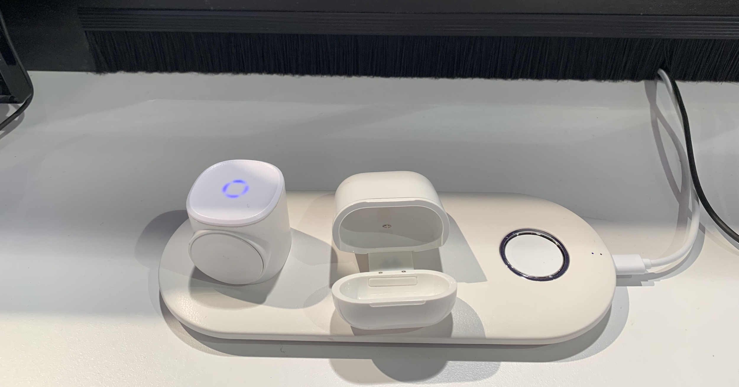 CES – Hyper's New Wireless AirPods Charging Case