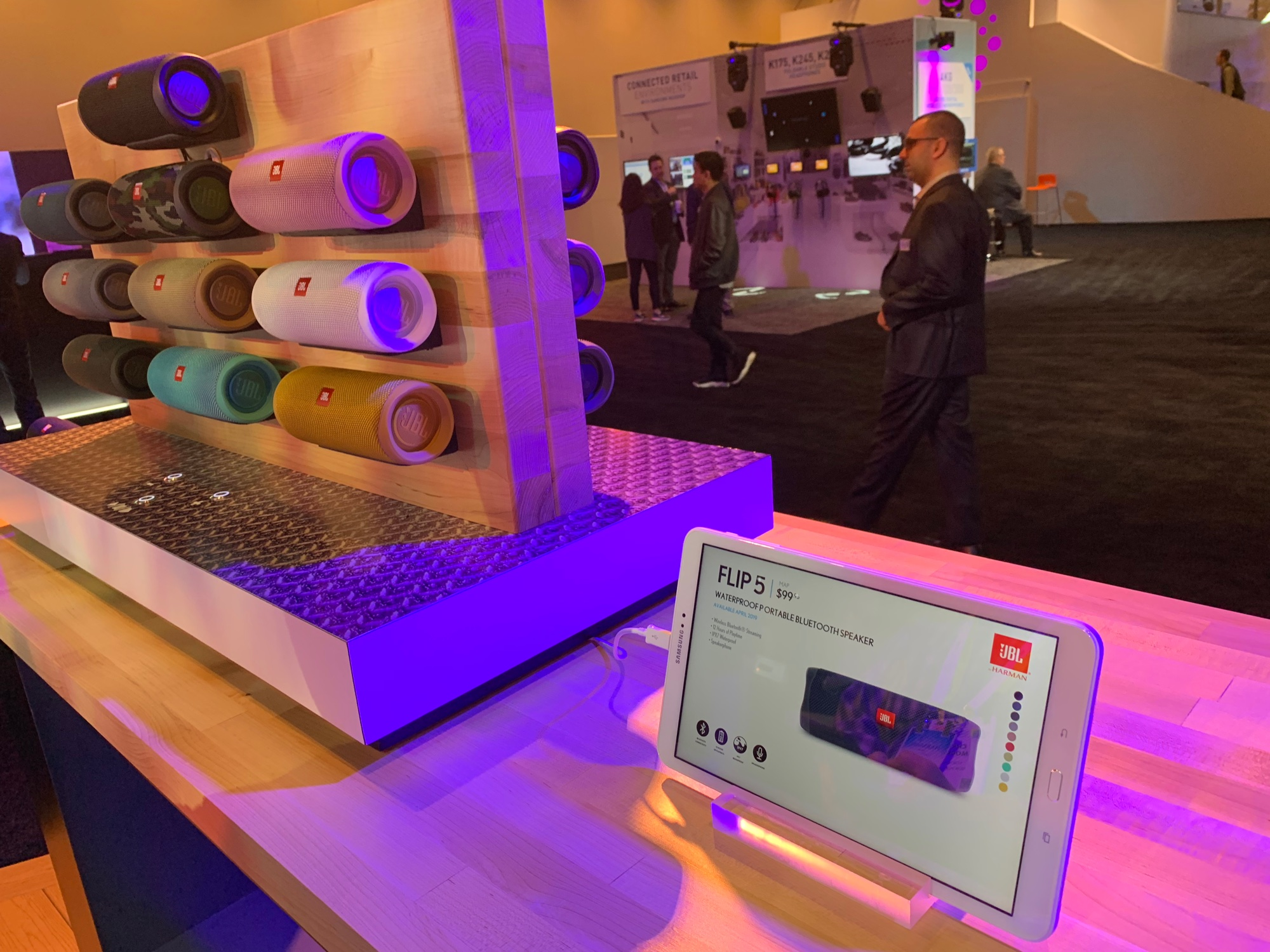 CES – JBL's Flip 5 Adds USB-C Charging, Increased Sound Output, Larger Battery