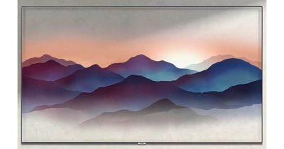 Samsung QLED 4K TV wall mounted