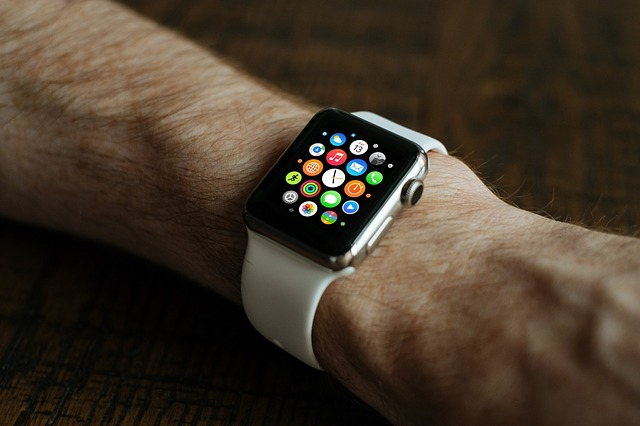 Apple Watch Patent Suggests How it Can be a Camera