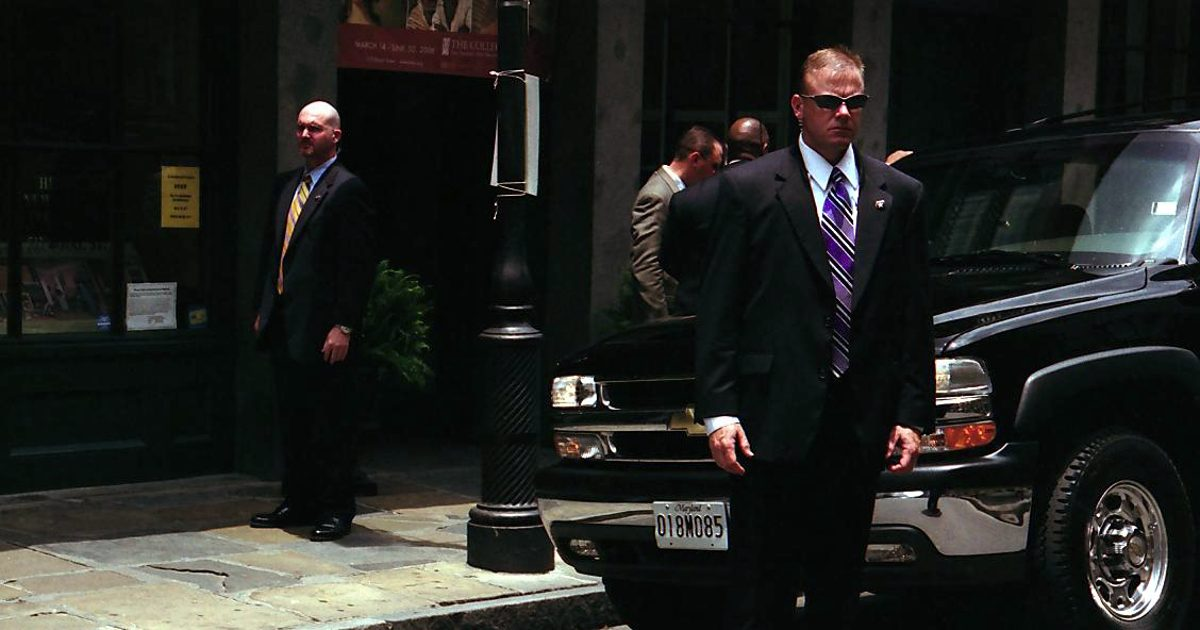 Secret Service 101 – Don't Plug Random Thumb Drives Into the Computer