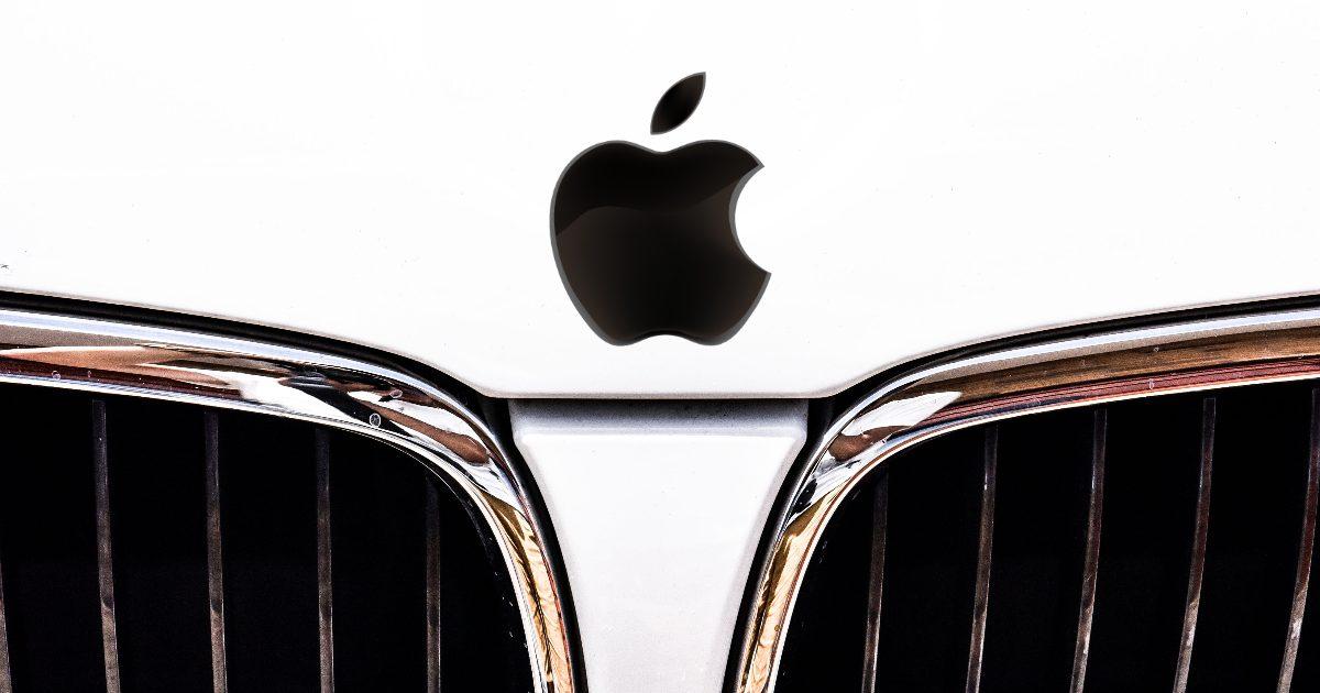 Toyota Retrofits Older Vehicles for Apple CarPlay