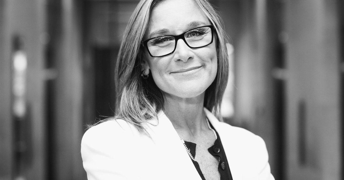 Angela Ahrendts airbnb board of directors