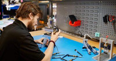 Apple repair expansion