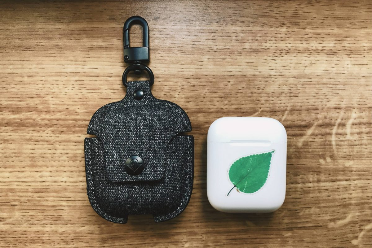 airsnap twill case with airpods