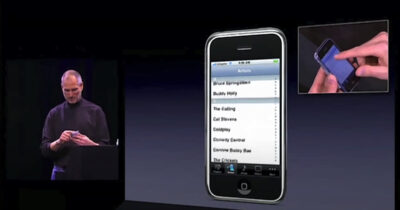 Steve Jobs demonstrating the original iPhone at MacWorld 2007