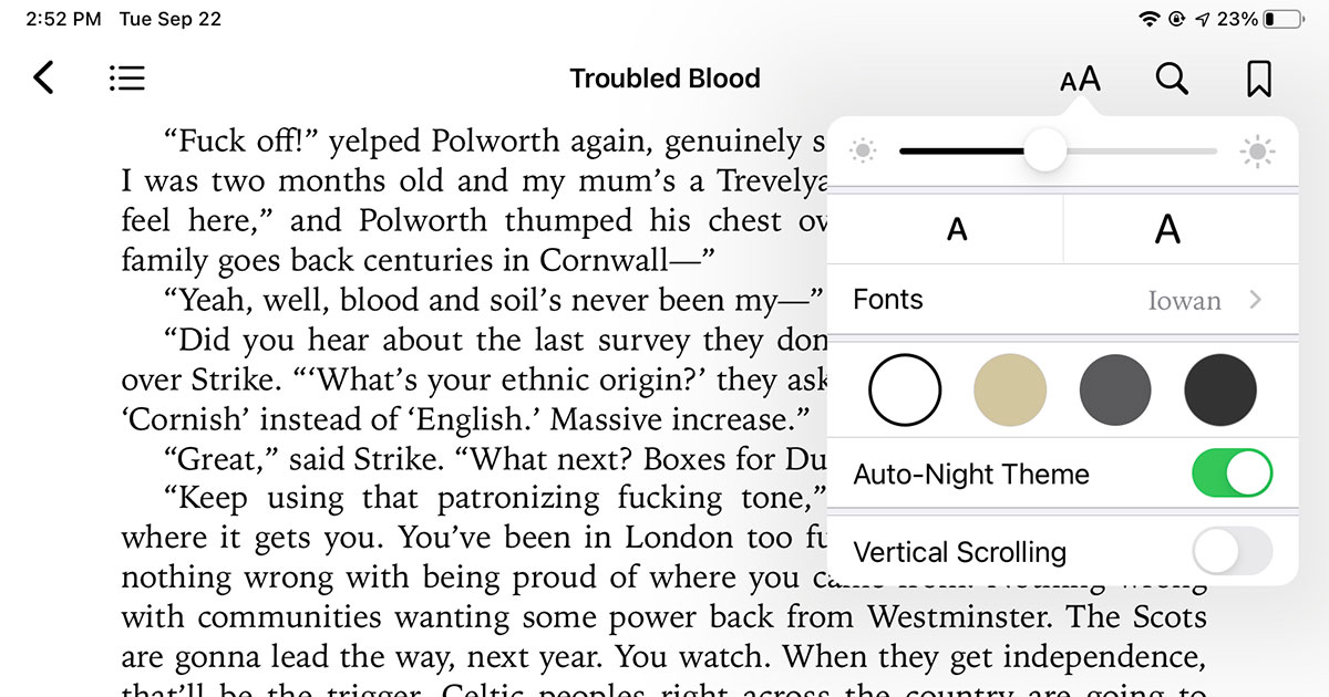 Books app in iPadOS 14 with font control panel shown