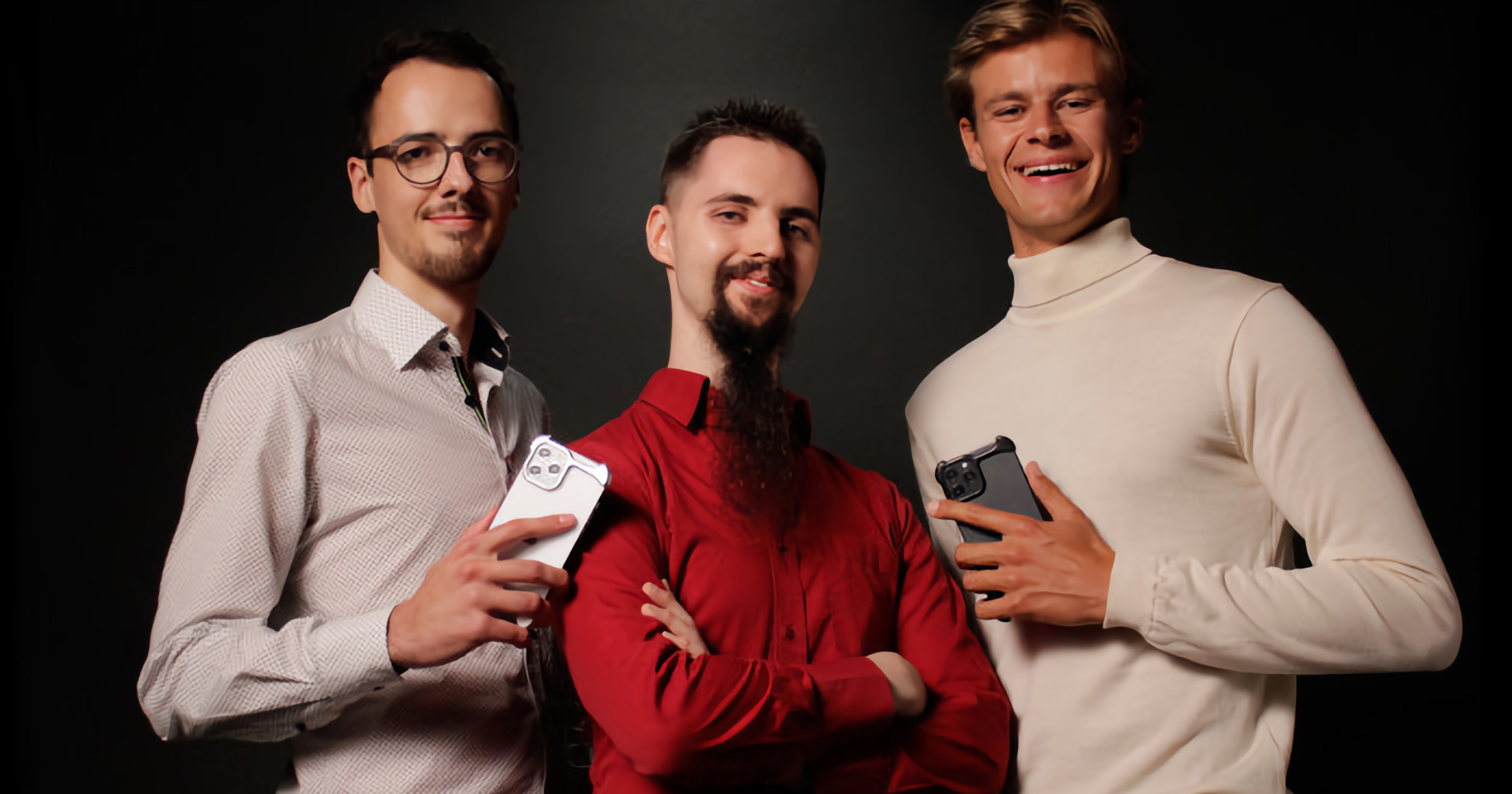 Arc Pulse is a Minimalist Titanium Bumper for iPhone 12