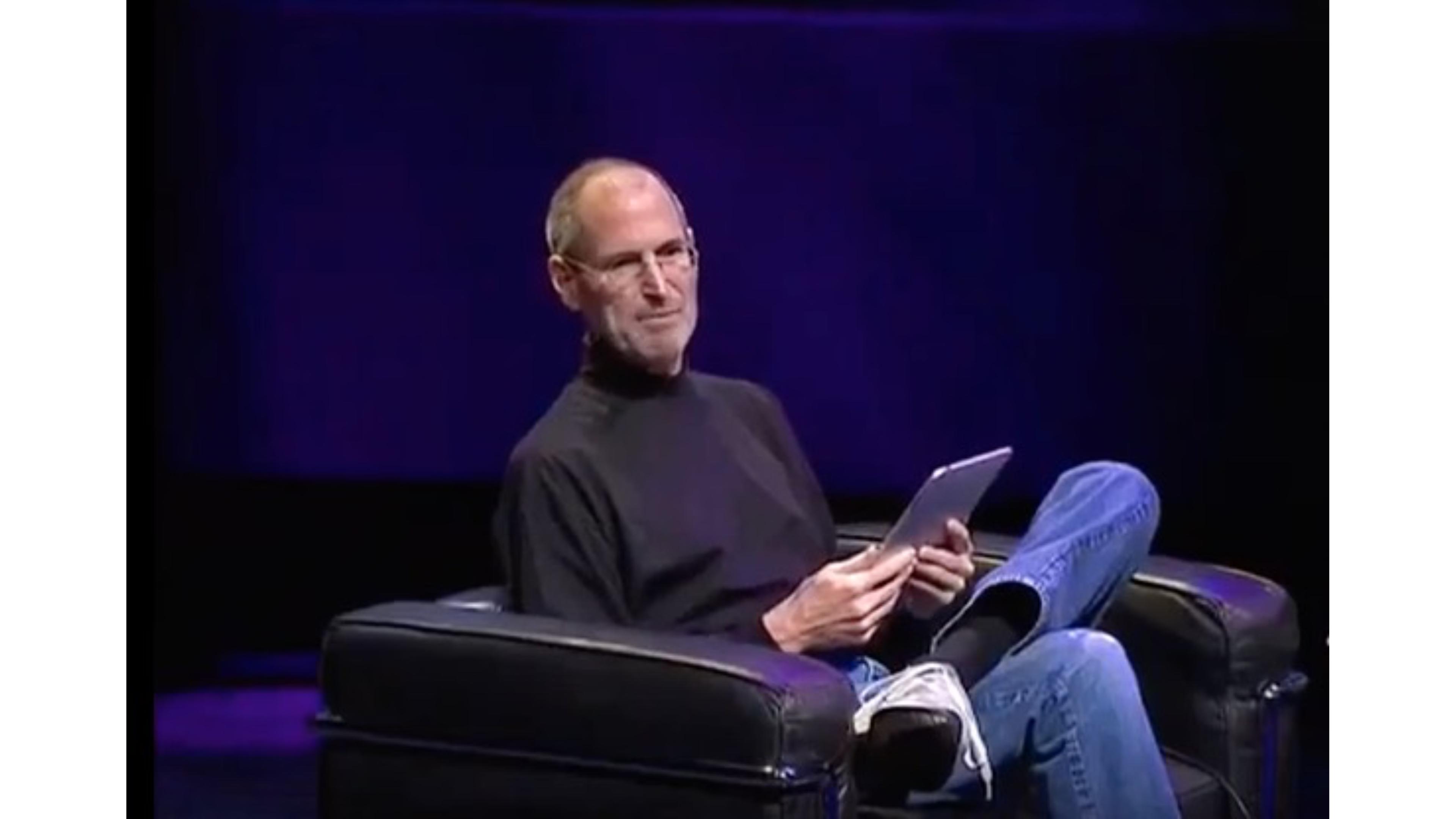 Steve Jobs launches original iPad