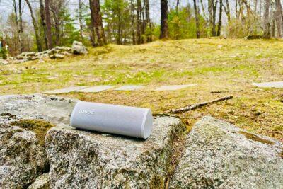 Sonos Roam in Lunar White sitting Outside